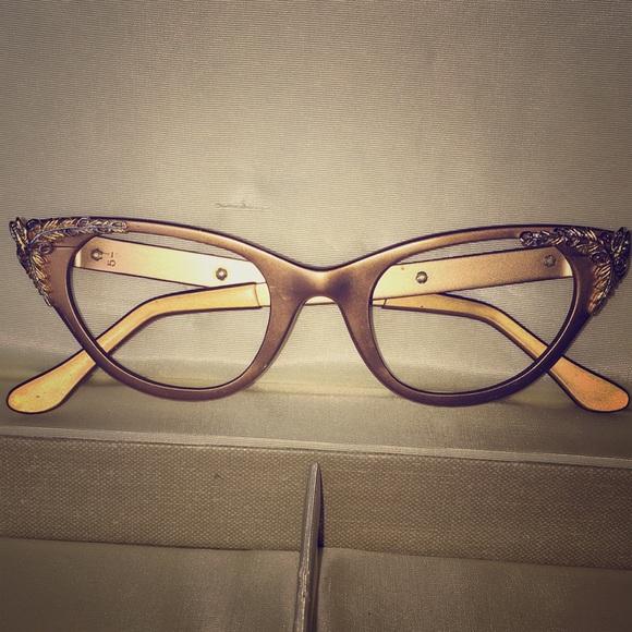 112d1c9dce Beautiful vintage Eyeglass frames with detail. M 5a748e118df470daa78718d7
